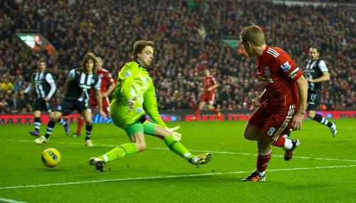 Liverpool 3-1Newcastle United; Steven Gerrard kan hmu leh ta!!!