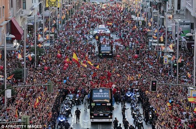 Euro 12 champion 'Spain' thlalak behbawm